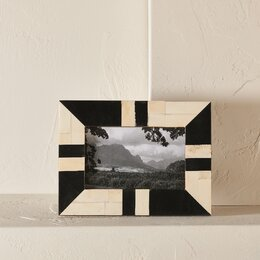 Contrast Picture Frame