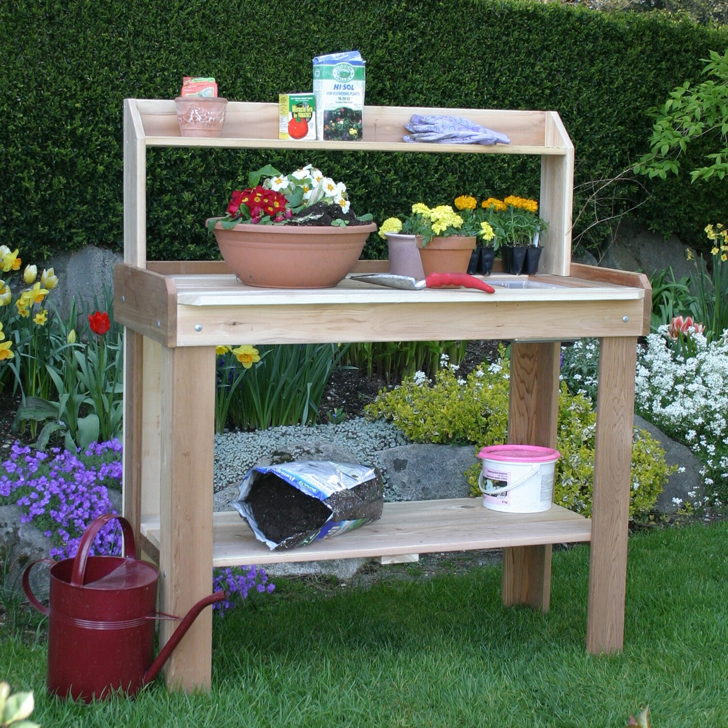 Garden Potting Bench: Potting Bench