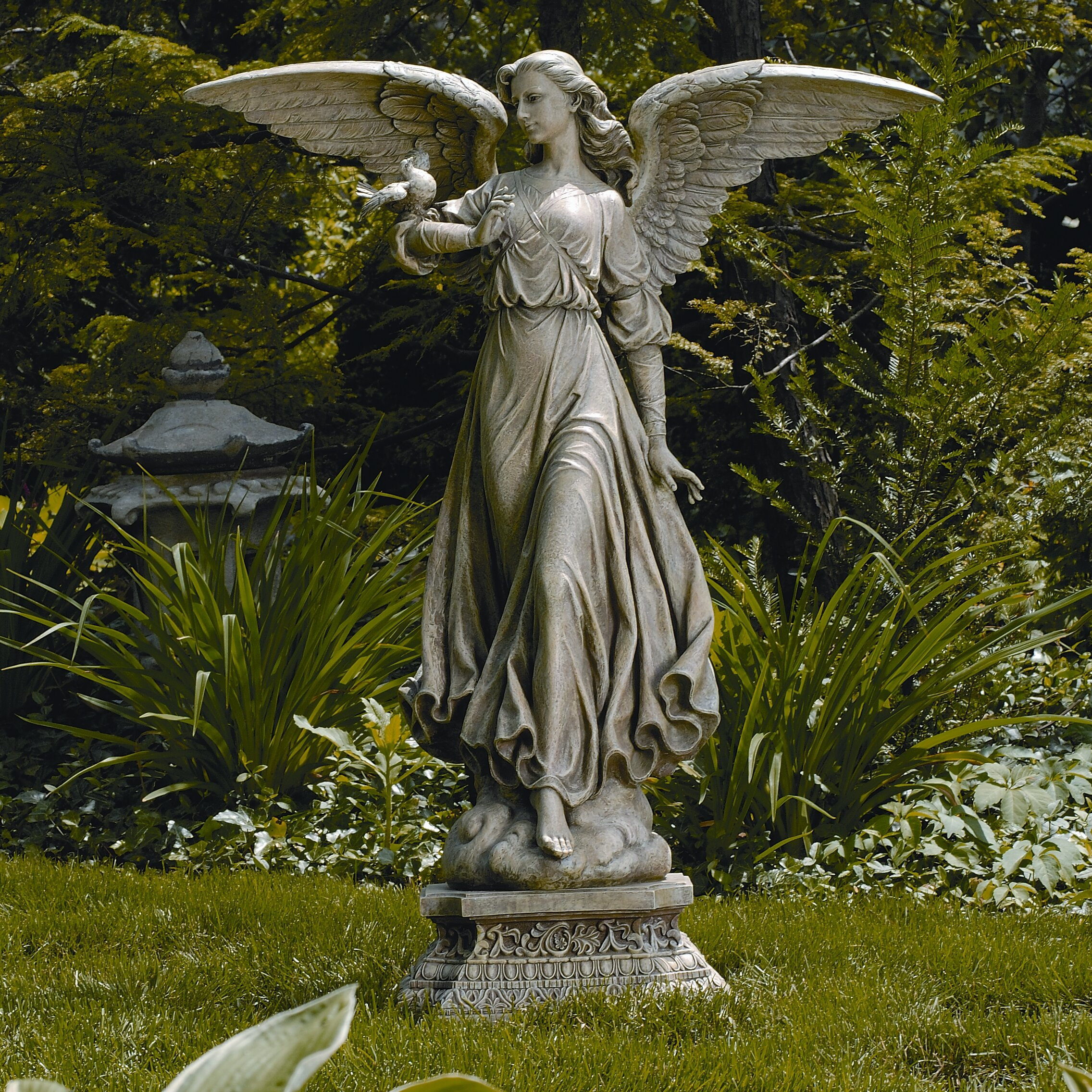 The angel statue, again: inspiration for a writer
