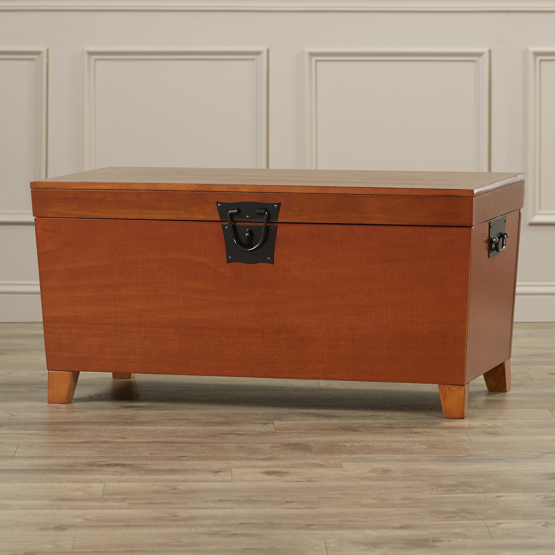 Barrett Trunk Coffee Table With Lift Top: Charlton Home Bischoptree Trunk Coffee Table With Lift Top