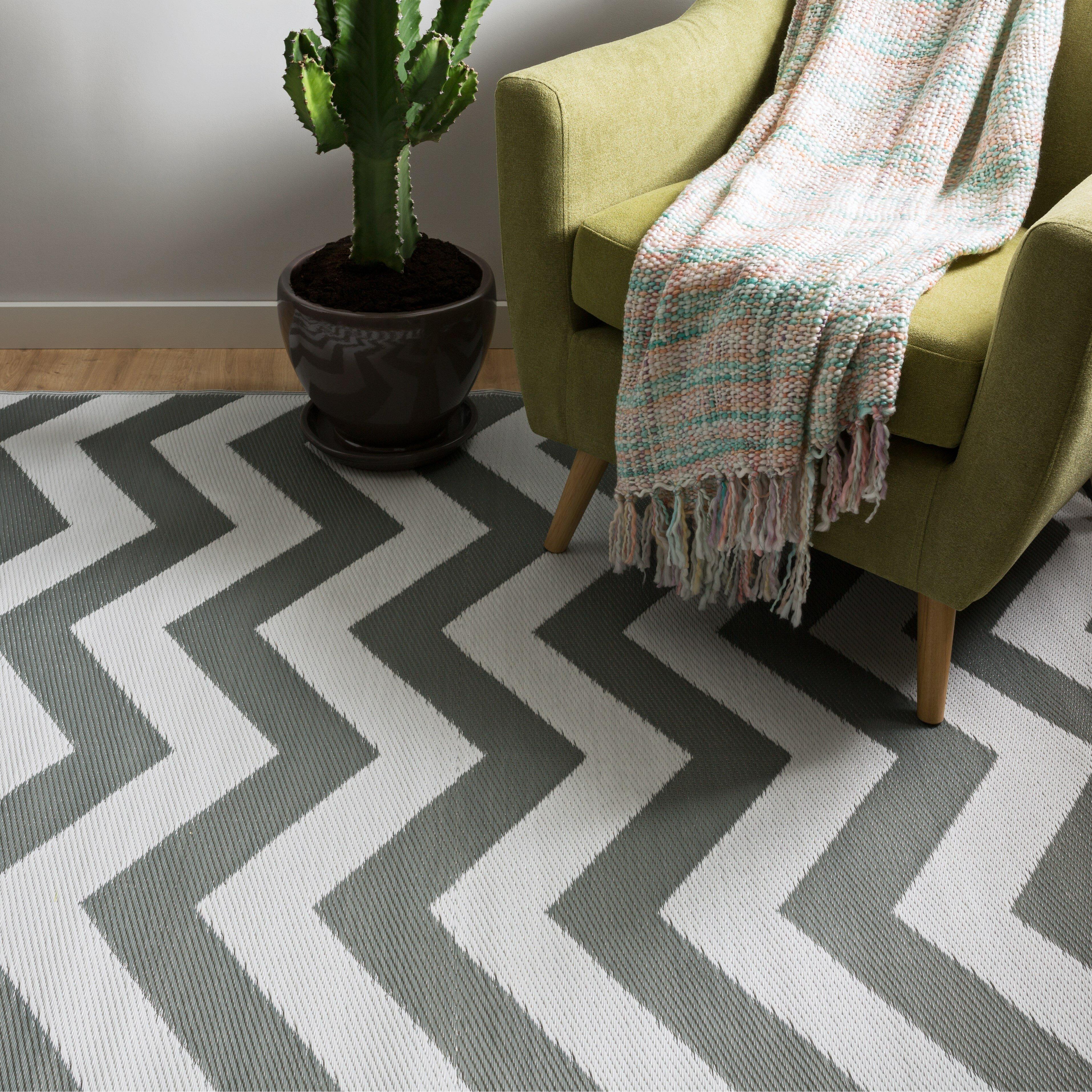 Lauryn grey indoor outdoor area rug wayfair uk for Indoor outdoor rugs uk