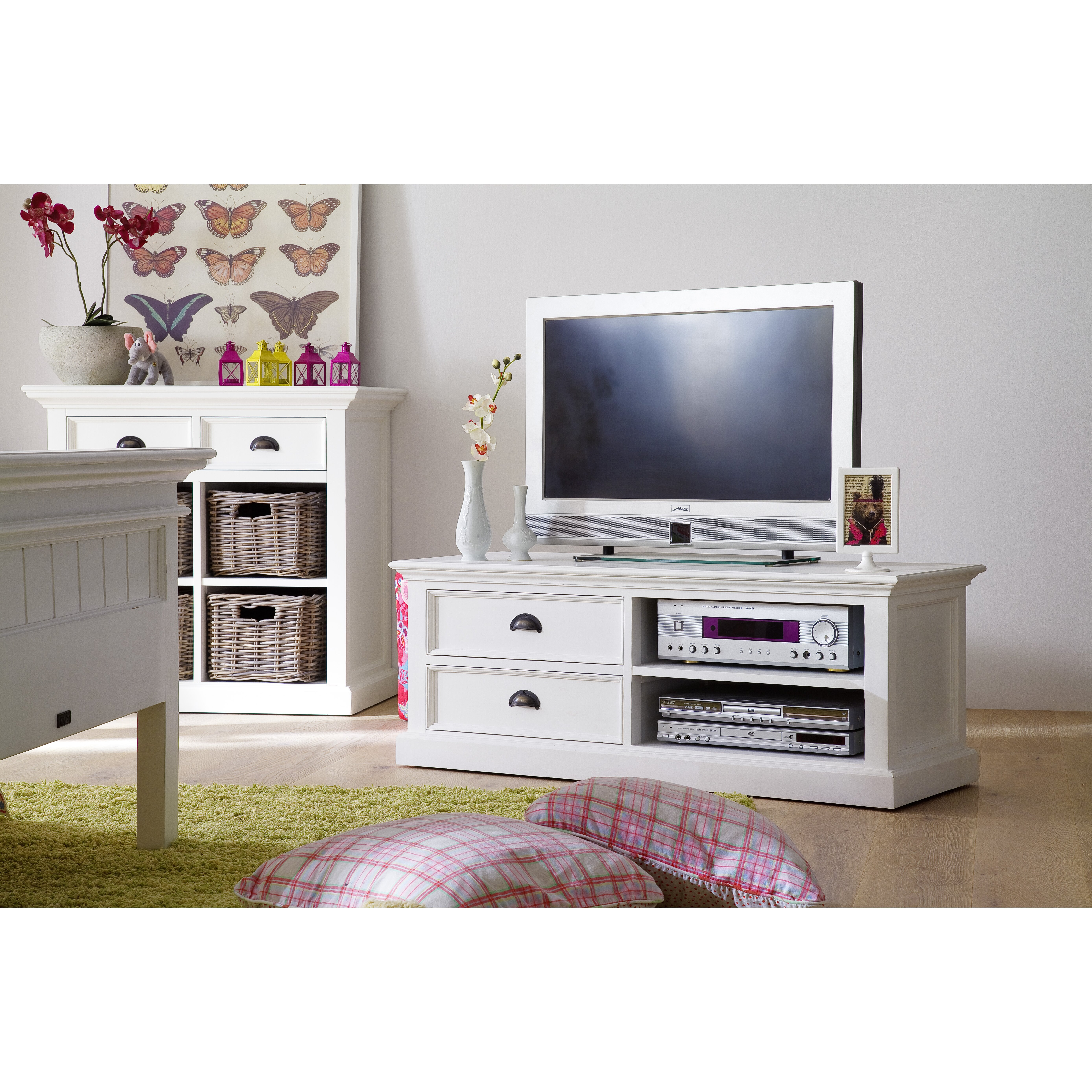 Breakwater bay belle isle tv stand for tvs up to 42 - Meubles bois blanc ...