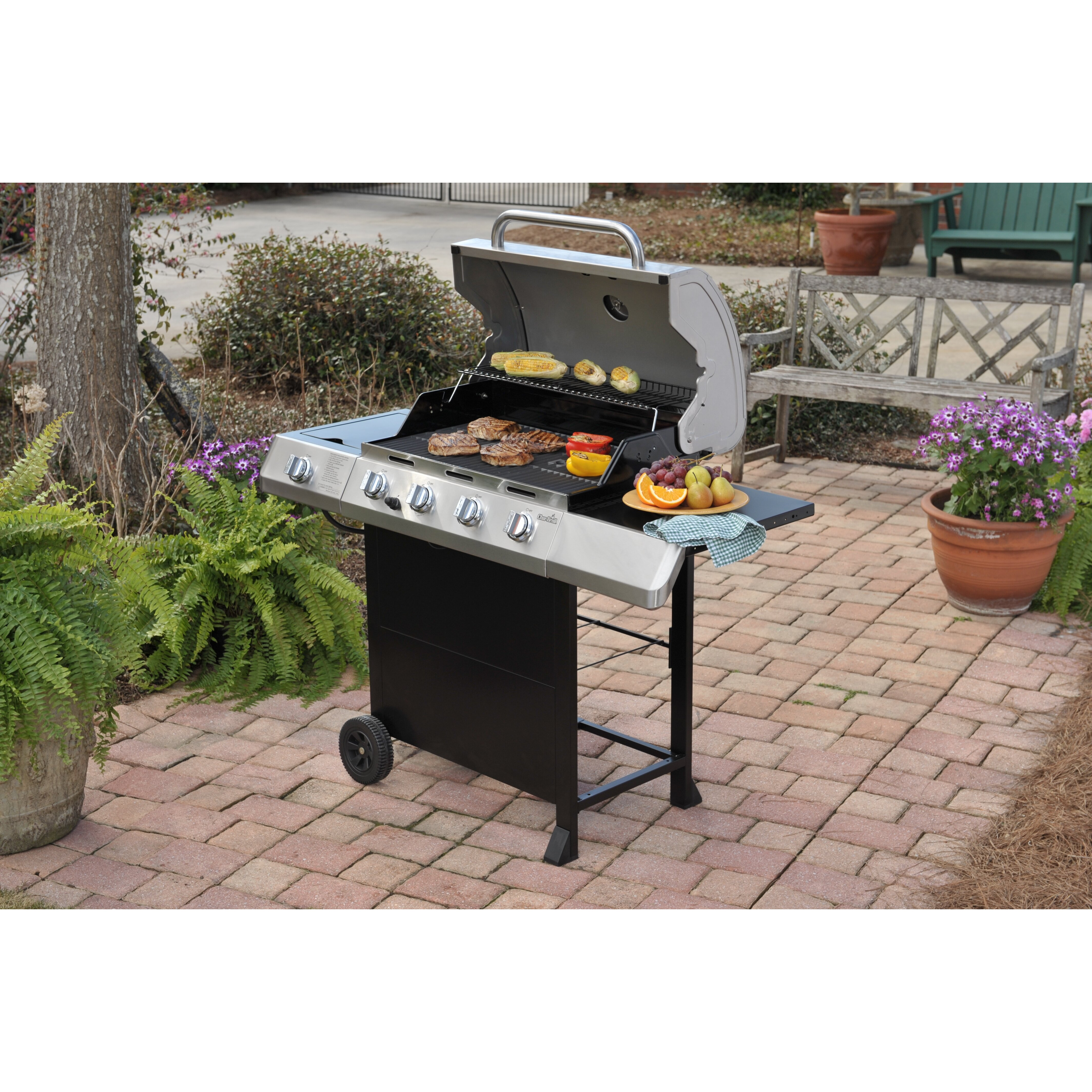 Sides On The Grill: Classic 4 Burner Grill With Side Burner
