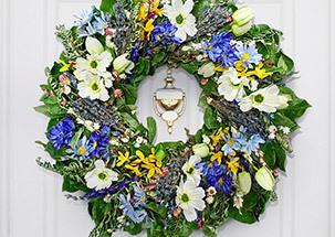 Plants & Wreaths